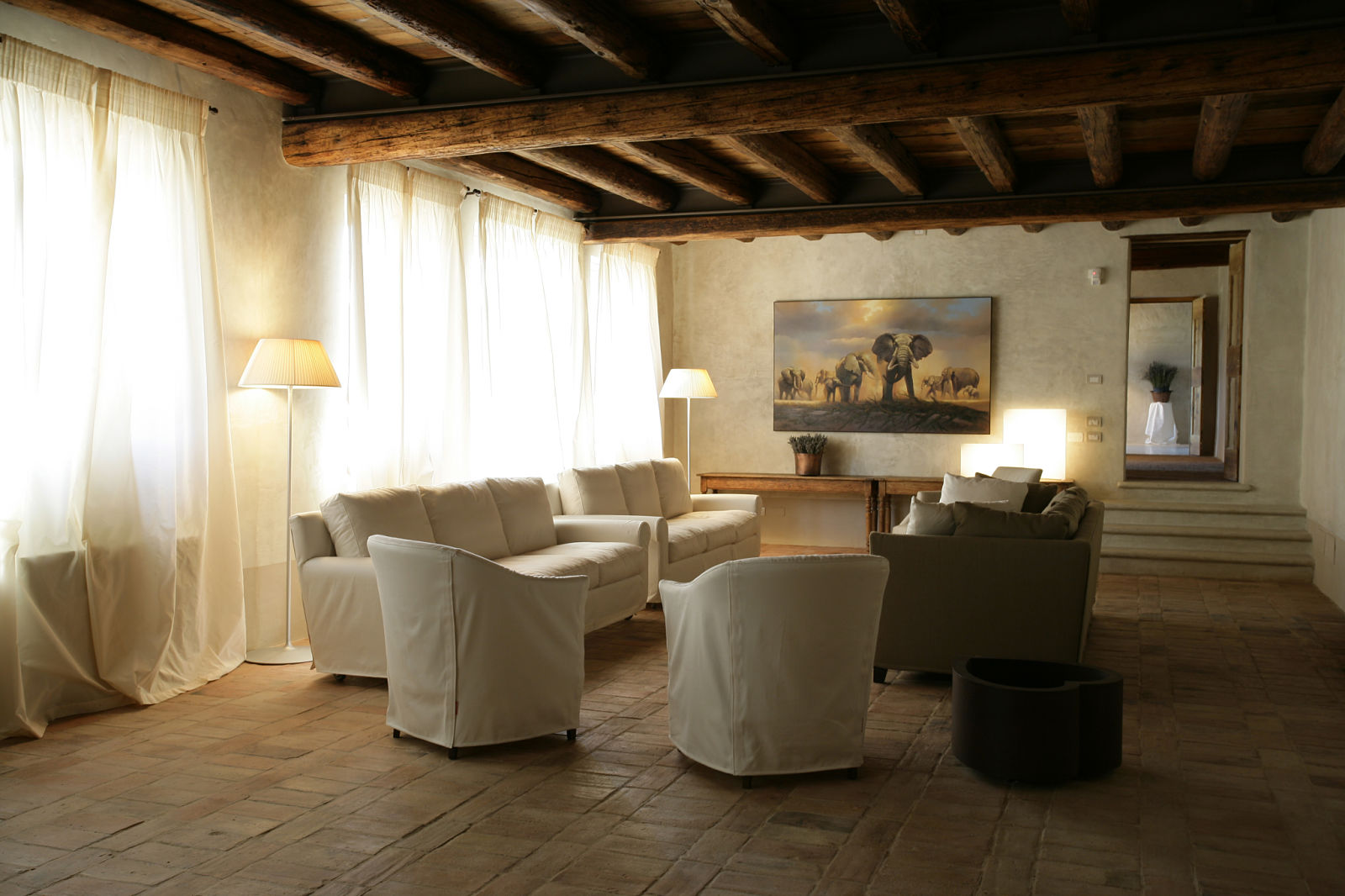 relais corte guastalla hotel mit charme auf gardasee venetien. Black Bedroom Furniture Sets. Home Design Ideas