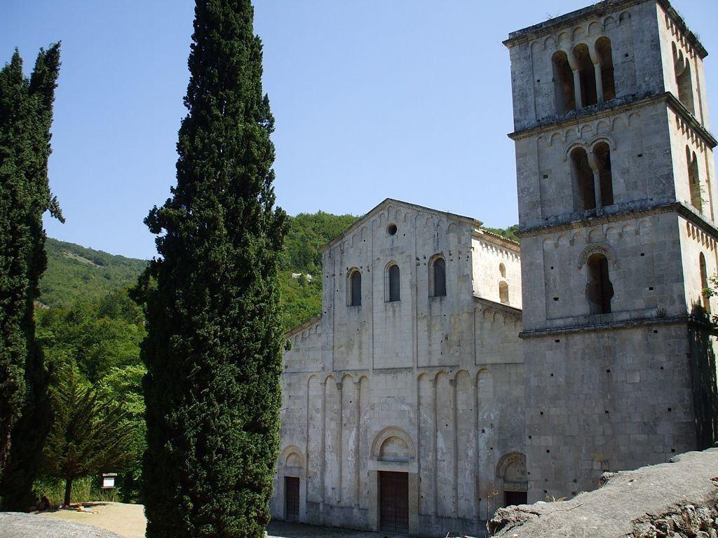abbazia-di-san-liberatore-a-majella-serramonaces