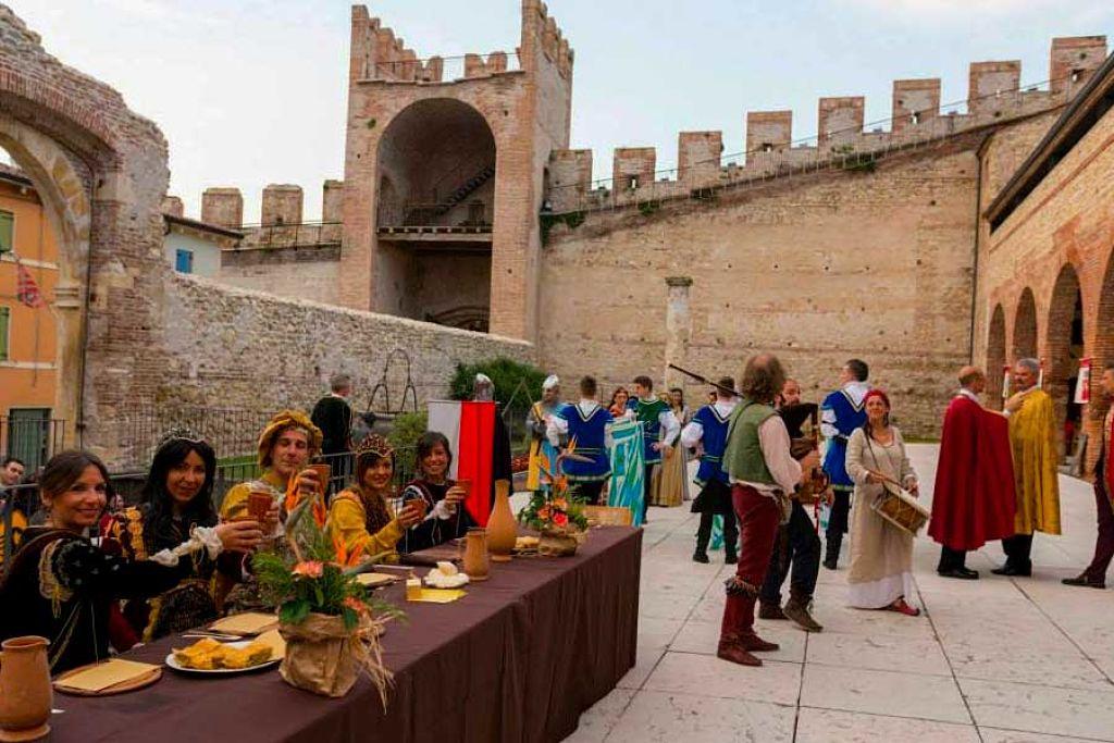 Festa medievale del vino bianco soave