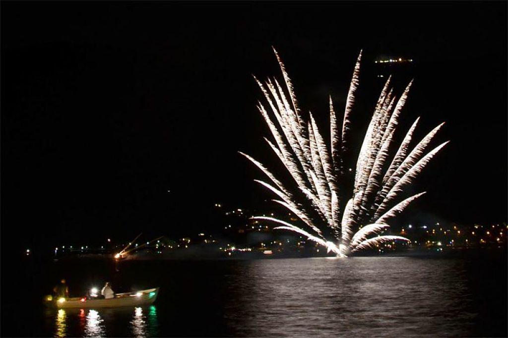 spettacolo-pirotecnicoranco-festeggia-sul-lago