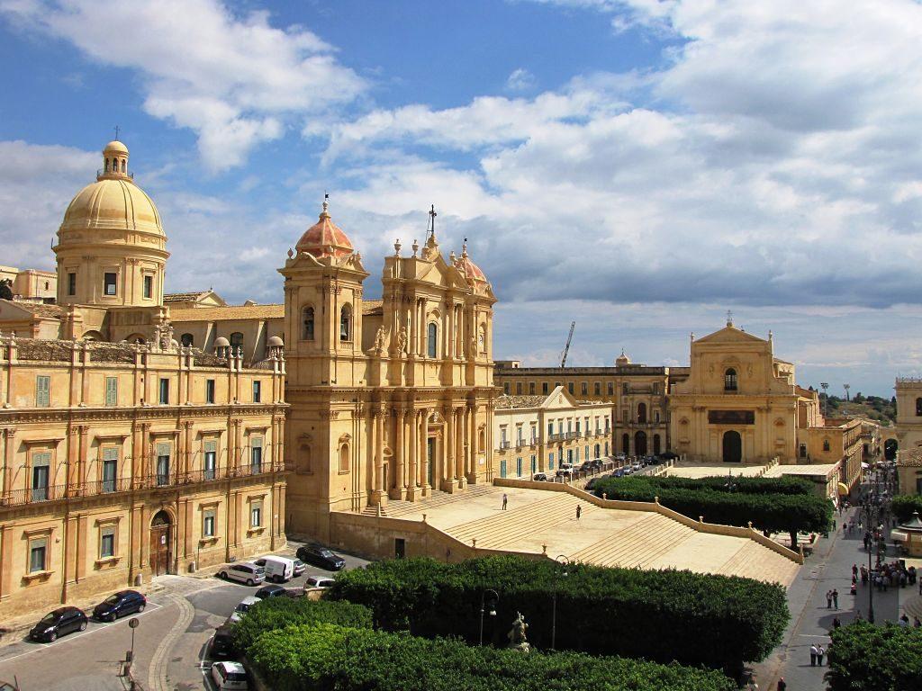 Basilica_Cattedrale_San_Nicoló-Noto_opt