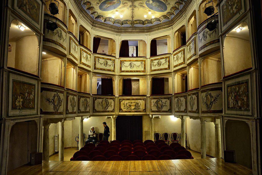 Teatro della concordia monte castello del vibio (notizie_opt
