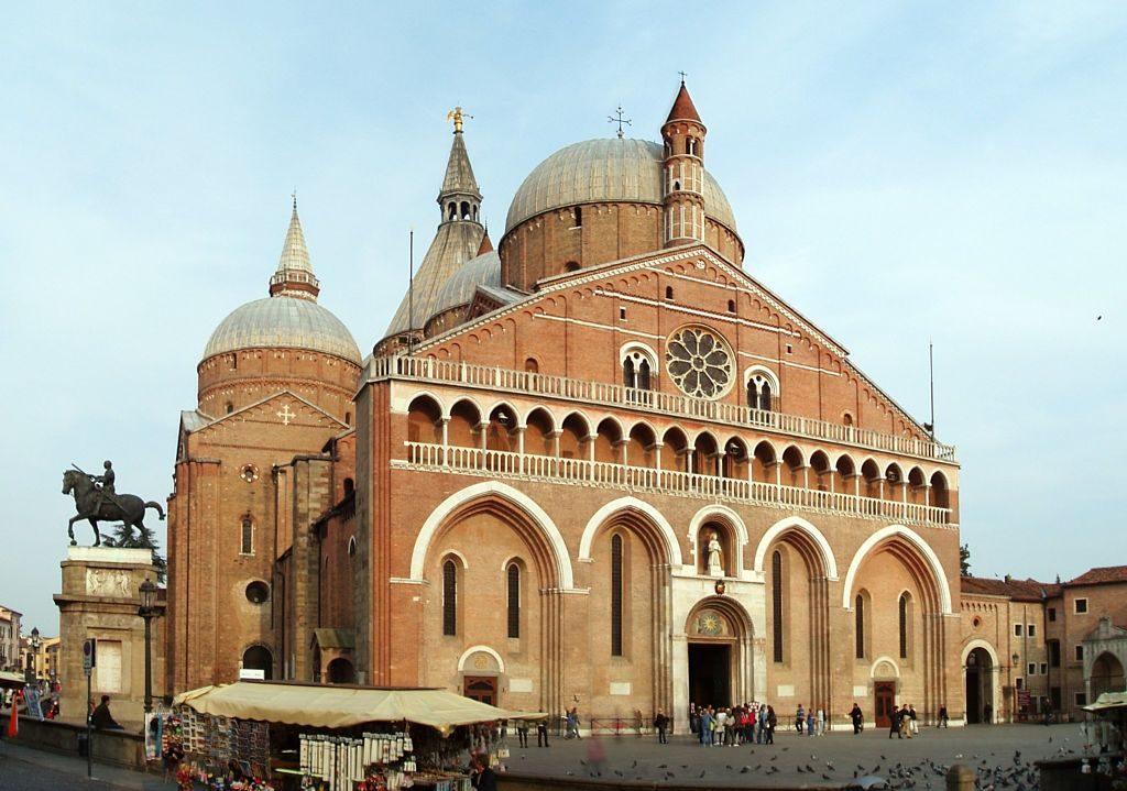 Basilica_di_Sant'Antonio_da_Padova_opt
