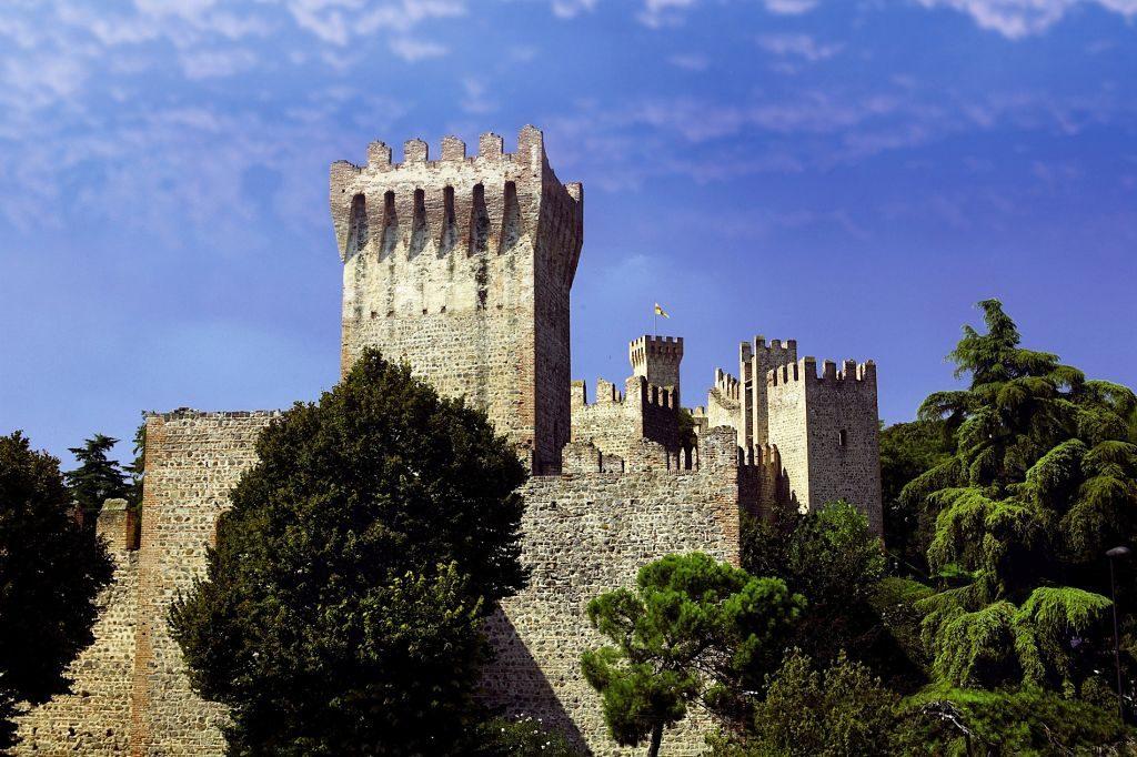 Este-Castello-(maisondartpadova)_opt