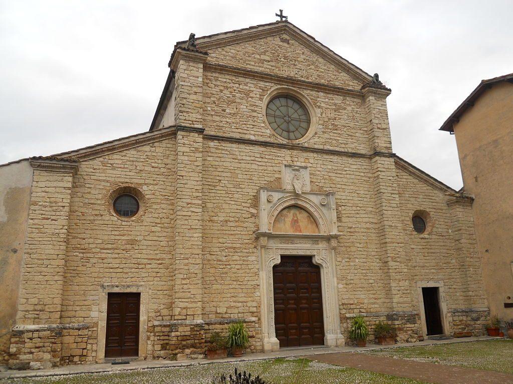 Abbazia_di_Farfa_-_frontale_della_chiesa_(2)_-_gennaio_2010_opt