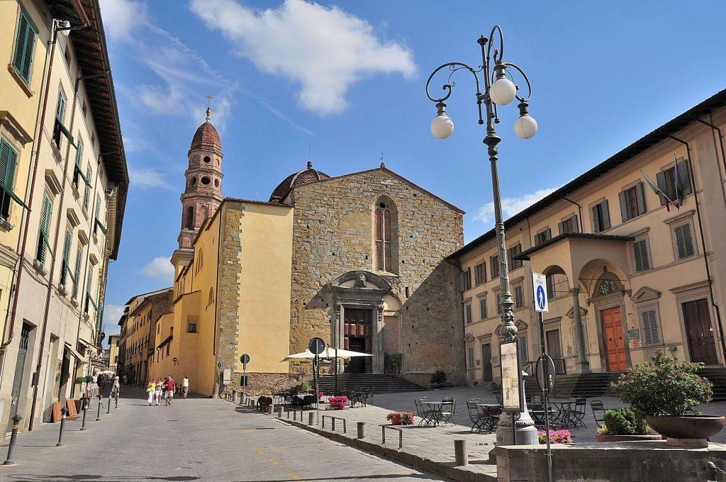 Badia_delle_sante_flora_e_lucilla (mapio)_opt