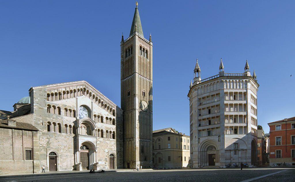 Piazza Duomo Parma_opt
