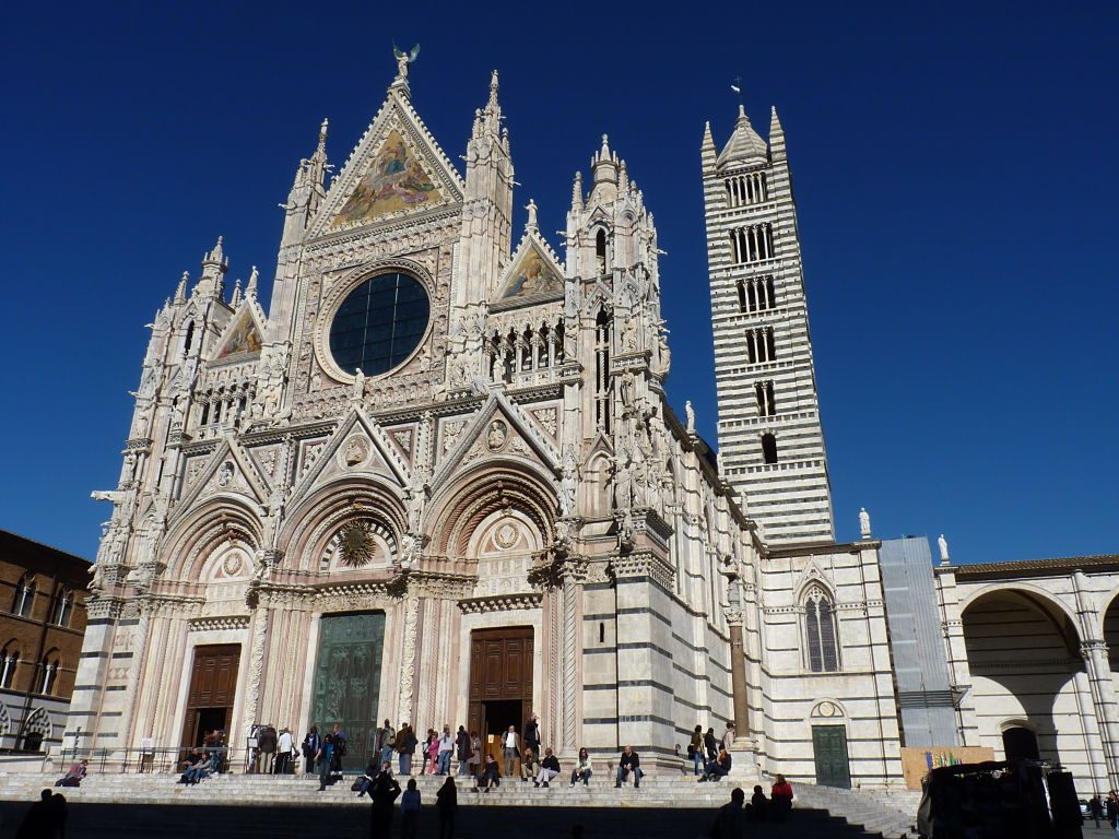 file-_the_facade_of_the_cathedral_in_siena_opt